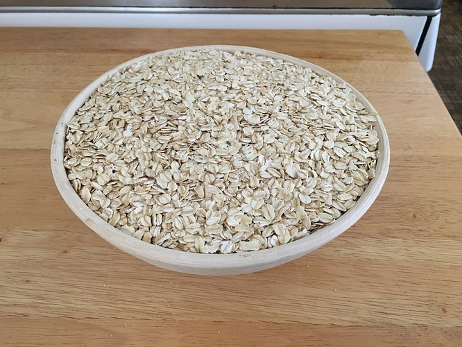Round-banneton-with-oats