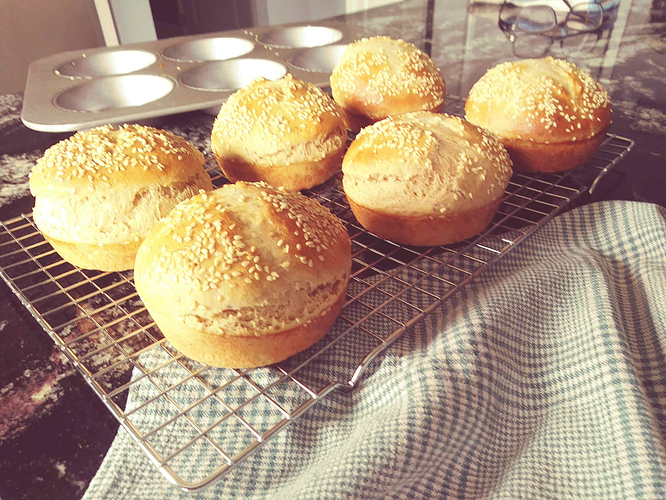 20191009_hamburger_rolls2small