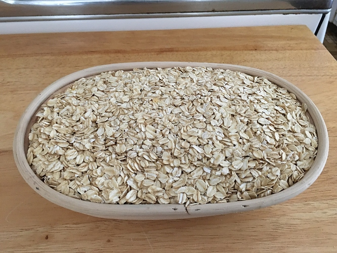 Oval-banneton-with-oats